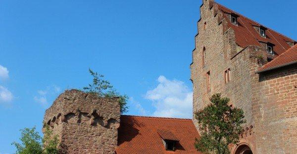 Burg Breuberg Außenmauer mit Turm