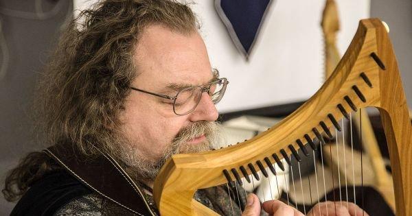 Mittelalterliche Musik und Instrumente