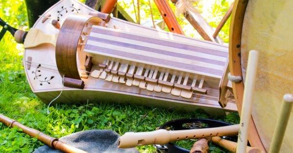 Musikinstrumente beim Thing