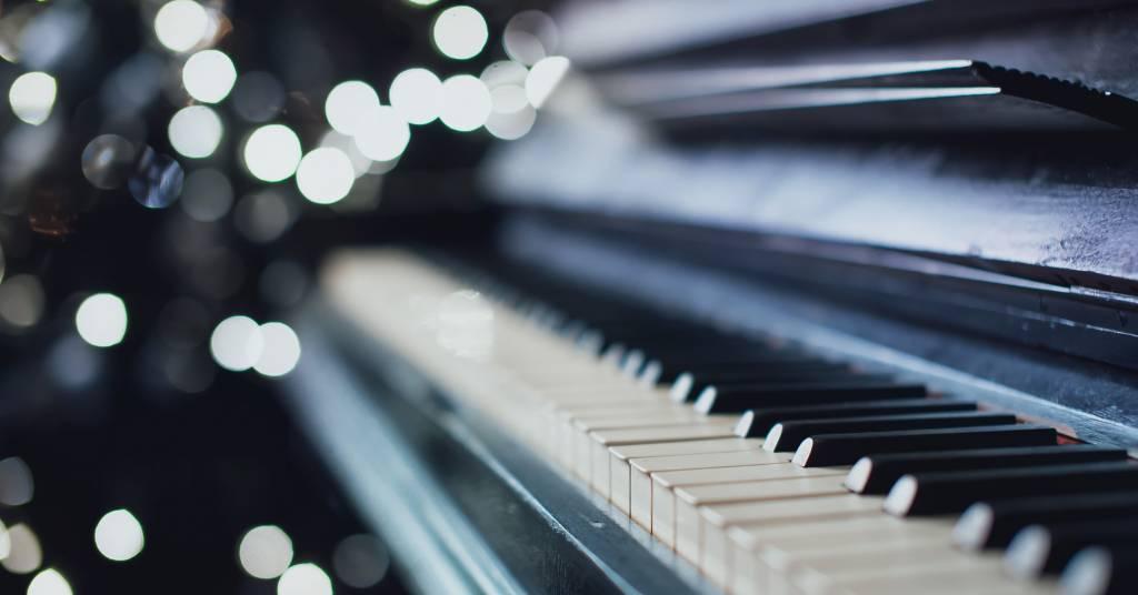 """Klavierstücke, inspiriert von """"Beren und Luthien"""""""